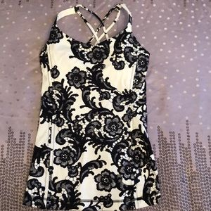 Lululemon Tank in ivory/black lace print